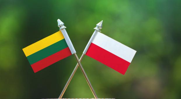 Litwini kupują w Polsce. Litwa liczy stracone miejsca pracy