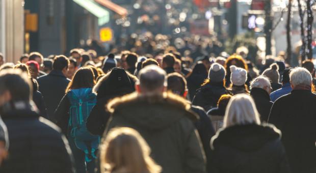 Bezrobocie spada szybciej niż przed rokiem