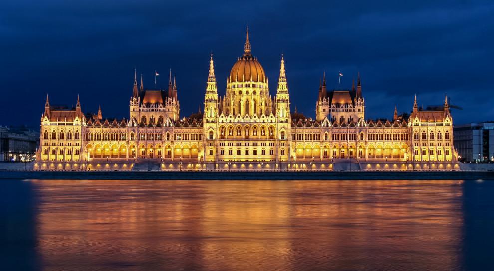 Węgry podwyższyły płacę minimalną