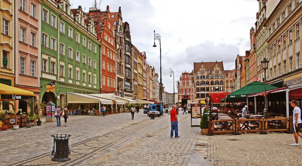 Na Dolnym Śląsku pensje rosną, ale wolniej niż przed rokiem