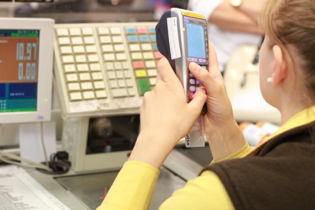 Nowoczesne technologie ograniczą liczbę kasjerów?
