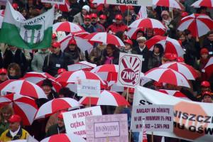 W ZNP dominują dwie propozycje w sprawie dalszych losów strajku