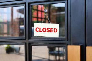 Zakaz handlu zabija małe sklepy