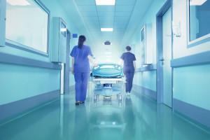 Przez brak pielęgniarek szpitale muszą zredukować liczbę łóżek
