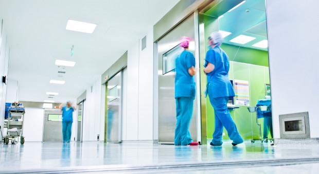 Pracownicy szpitali w Inowrocławiu i Radziejowie na L4. W tle walka o podwyżki