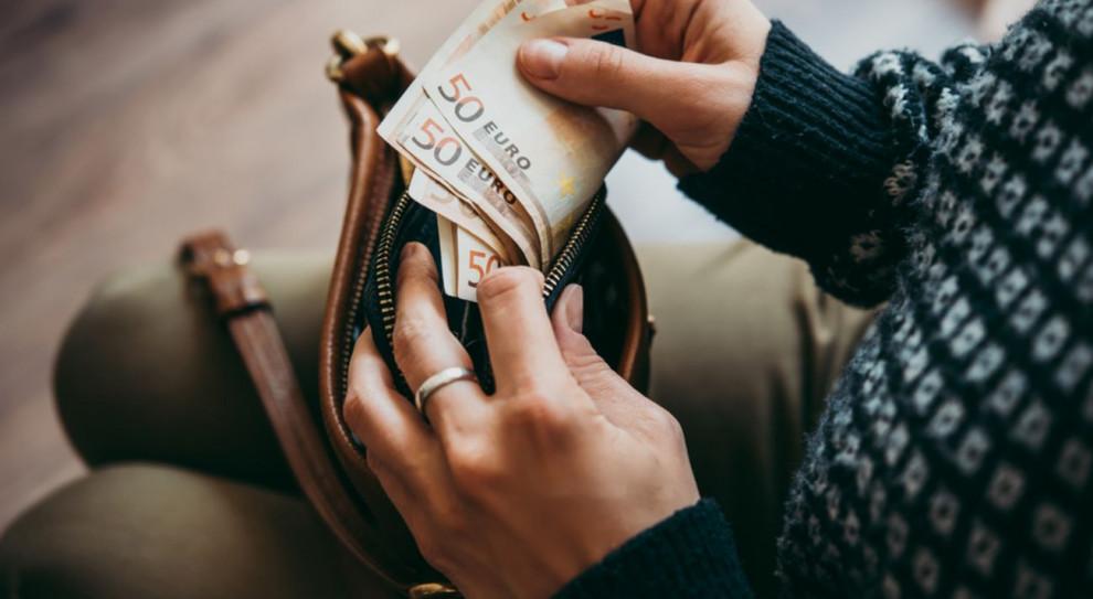 Koszty życia a płaca minimalna. Polska wypada lepiej niż Czesi, Słowacy czy Węgrzy