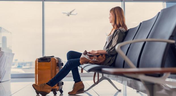 Coraz mniej lekarzy i pielęgniarek wyjeżdża za granicę