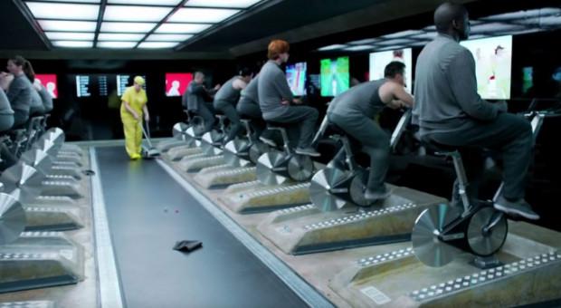 """Praca jak z """"Black Mirror"""" to przyszłość? Tak nowoczesne technologie zmieniają rynek pracy"""