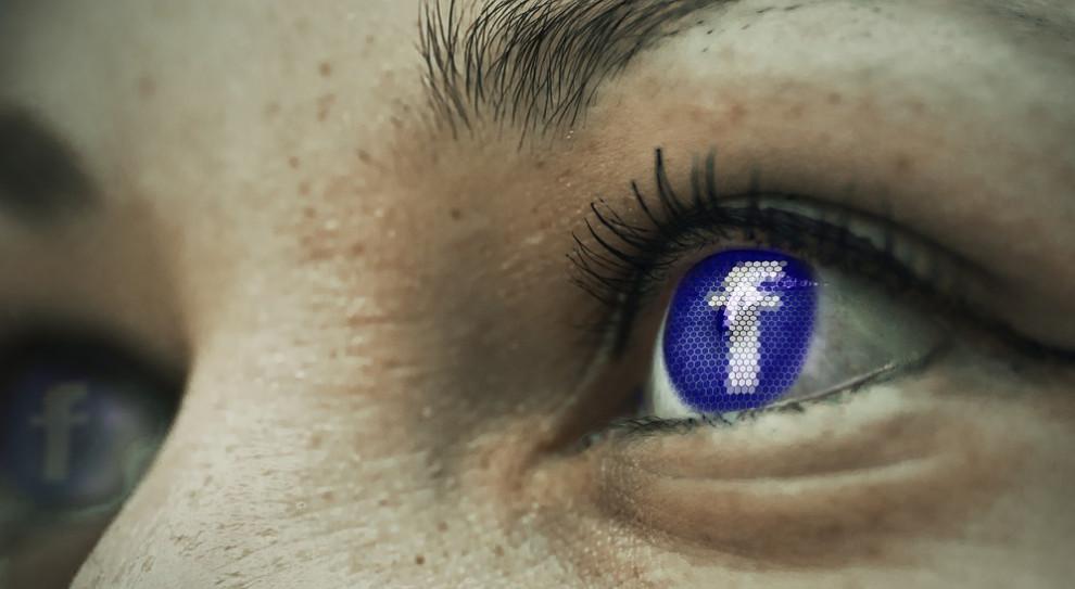W dobie mediów społecznościowych trudno o prywatność
