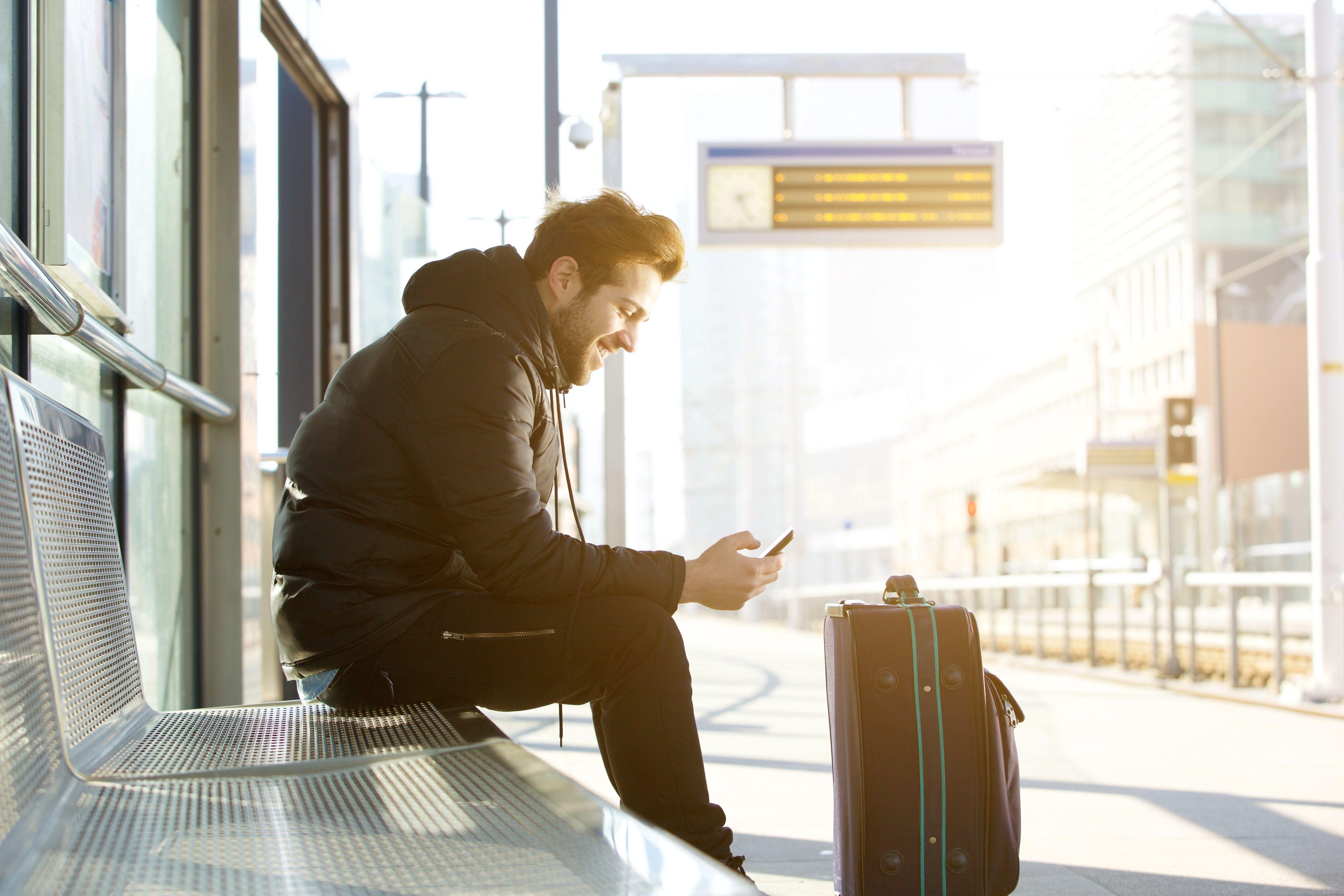 Rekordowo wysoka liczba wakatów oraz niezwykle niskie bezrobocie powoduje napływ pracowników do Czech. (Fot. Shutterstock)