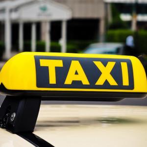 Przewozy taksówkami spadły o 70 proc.