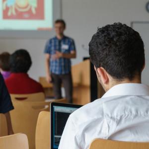 Zmniejsza się liczba chorych pedagogów, kurator prosi o wyjaśnienie