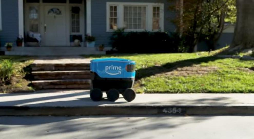 Roboty dostarczą paczki klientom Amazona