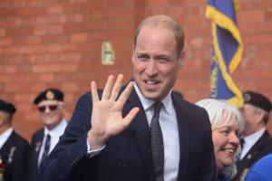 Brytyjski następca tronu pokrzepia zwalnianych