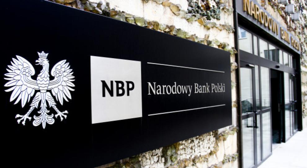 Projekty ustaw ws. płac w NBP naruszają niezależność banku