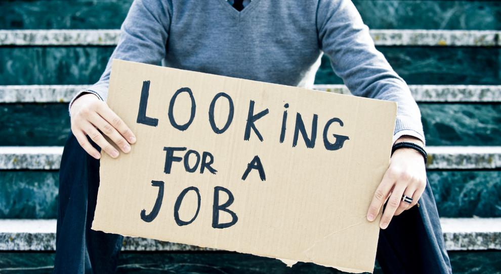 Bezrobotny, czyli kto? Młody mężczyzna po gimnazjum