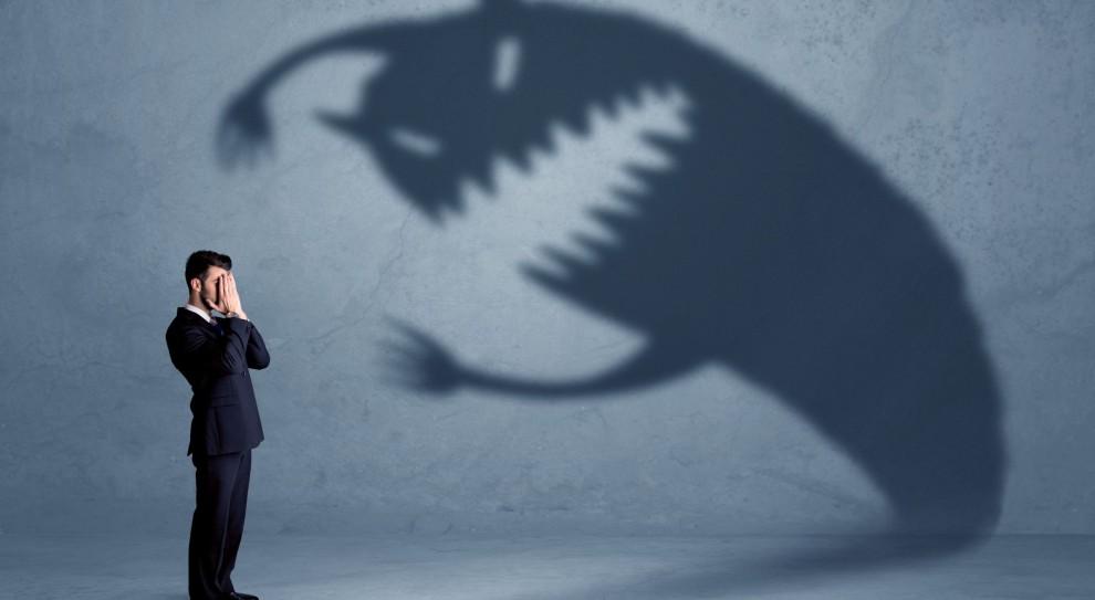 """Zjawisko """"skoczków"""" może okazać się niezwykle kosztowne dla organizacji, zwłaszcza jeśli """"skoczek"""" okaże się osobą nielojalną i roszczeniową. (Fot. Shutterstock)"""