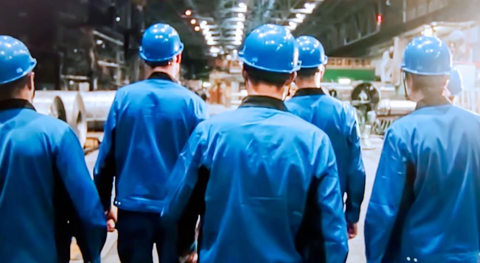 W wyniku konfliktu na wschodzie Ukrainy wiele miejsc pracy zniknęło, zostawiając bez źródła utrzymania od kilku do nawet kilkunastu tysięcy pracowników.(Fot. Shutterstock)