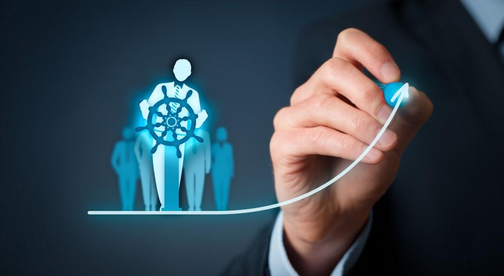 Aż 9 na 10 przedstawicieli średnich przedsiębiorstw, zatrudniających od 50 do 249 osób, dostrzega korzyści wynikające ze stosowania narzędzi motywacyjnych. (Fot. Shutterstock)