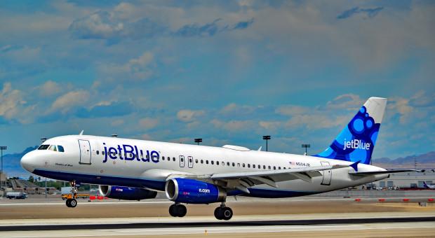 Szefowa lini lotniczej mówi pracownikom, by nie wstępowali do związku