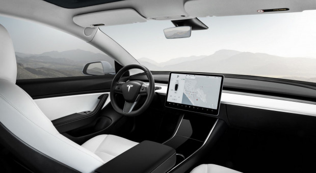 Tesla zwalnia. Wszystkiemu winne zmiany w podatkach