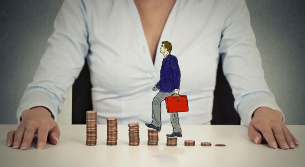 """Przeciętne wynagrodzenie w górę. """"Presja płacowa nadal będzie rosnąć"""""""