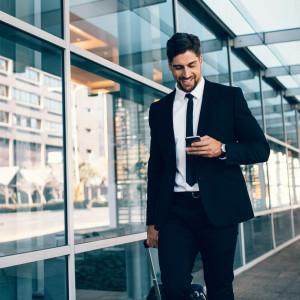 Na zarobki (prawie) nie patrzą, tak w firmie ich nie zatrzymasz