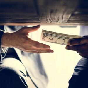 Osoby skazane za korupcję z zakazem pracy w instytucjach państwowych?