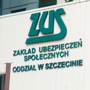 Polacy dobrze oceniają ZUS i słabo rozpoznają związki zawodowe