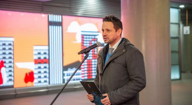 Warszawa zachęca mieszkańców do rozliczania deklaracji PIT w stolicy