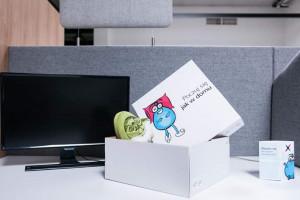 Jak przywitać nowego pracownika? Welcome packi coraz popularniejsze