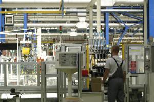 Bez pracowników nie ma przemysłu. Jak o nich skutecznie walczyć?