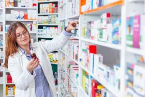 Apteka dla aptekarza: Coraz więcej aptek zamkniętych. Przez nowe przepisy