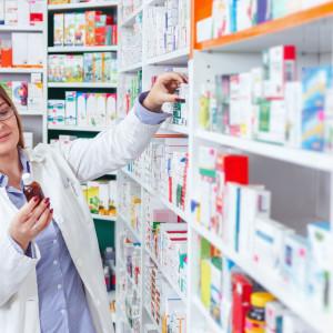 Nowe przepisy zamykają coraz więcej aptek