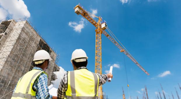 Firmy budowlane narzekają na wysokie koszty zatrudnienia