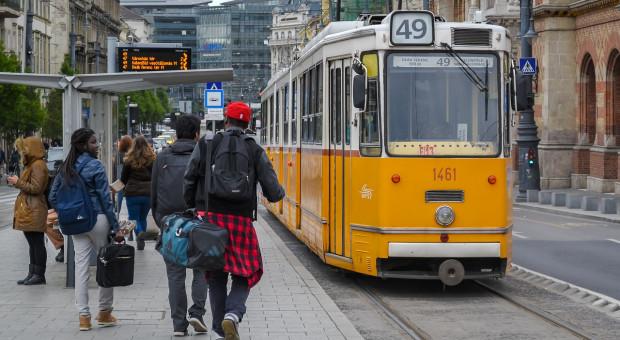 Tak Węgrzy walczą z demografią