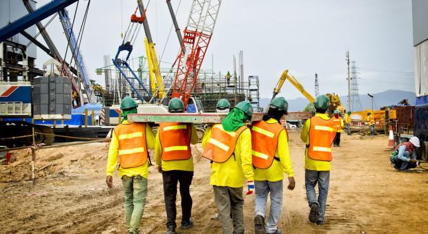 Czas pracy na budowach dużo ponad normę. Związkowcy chcą kontroli PIP