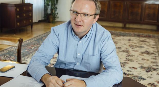 Opozycja chce dymisji Szczerskiego za wypowiedź o celibacie nauczycieli