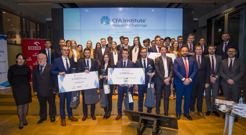 Uniwersytet Ekonomiczny we Wrocławiu i SGH w europejskim finale CFA Institute Research Challenge