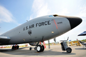 Tak amerykańskie lotnictwo kusi kobiety (wideo)