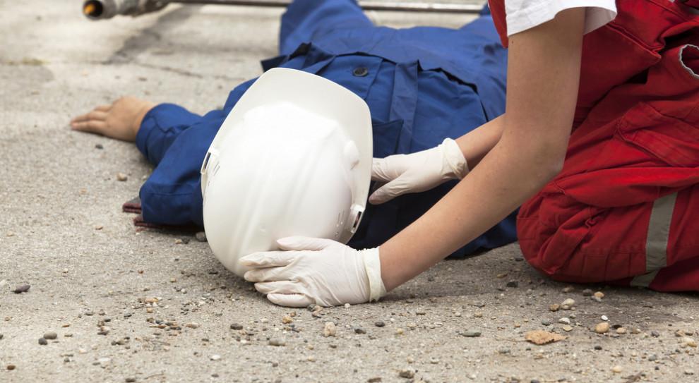 Tragiczny wypadek w Poznaniu. Pracownik zginął na miejscu