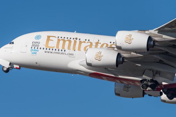 Emirates zwolnią 9000 osób