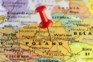 Spada liczba cudzoziemców z ważnym zezwoleniem na pobyt w Polsce