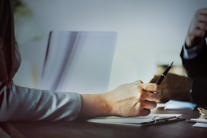 Lutowe oferty pracy w statystykach, czyli kto i kogo szuka