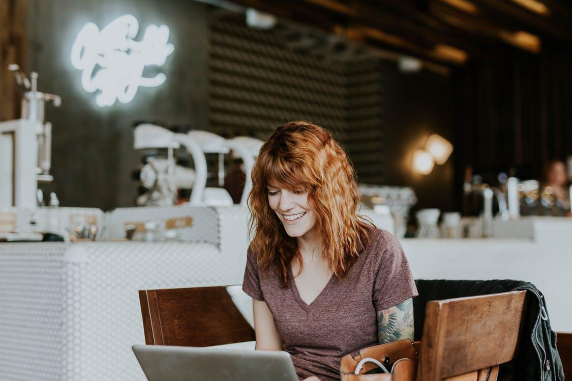 Kobiet są pożądane jako pracownicy, dzięki ich wyjątkowym umiejętnościom. (Fot. Pexels)