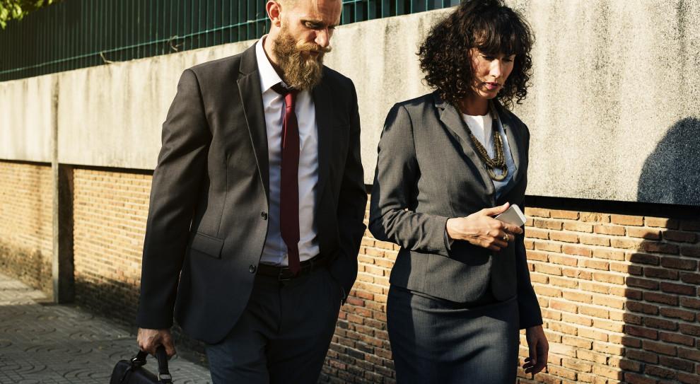 7 proc. różnicy w zarobkach kobiet i mężczyzn. Polska jest w awangardzie