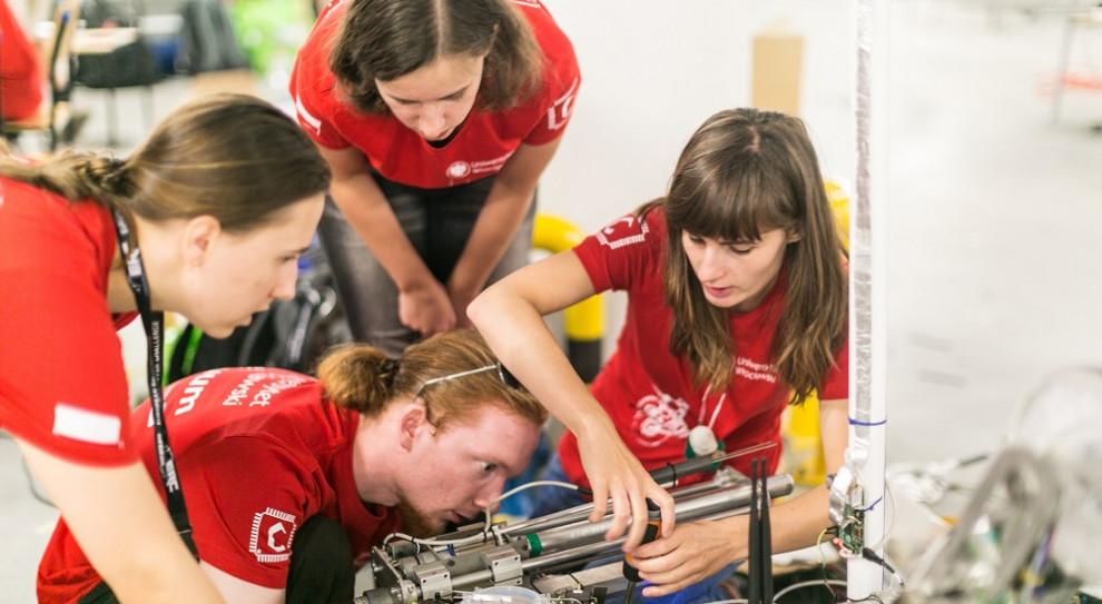 Przyszłość edukacji zawodowej kobiet to zawody techniczne