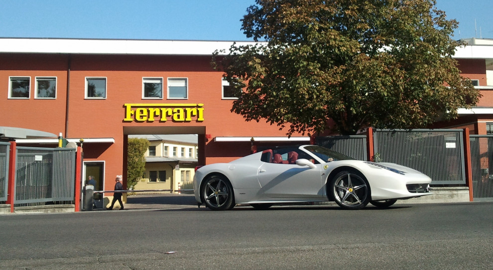 Fiat i Ferrari zapewniły pracę włoskim monterom samochodów