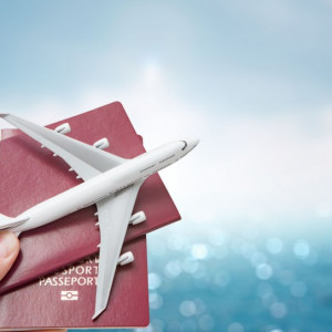 Zwiedzanie i praca za granicą? Resort pracy ma 1,5 tys. wiz dla młodych