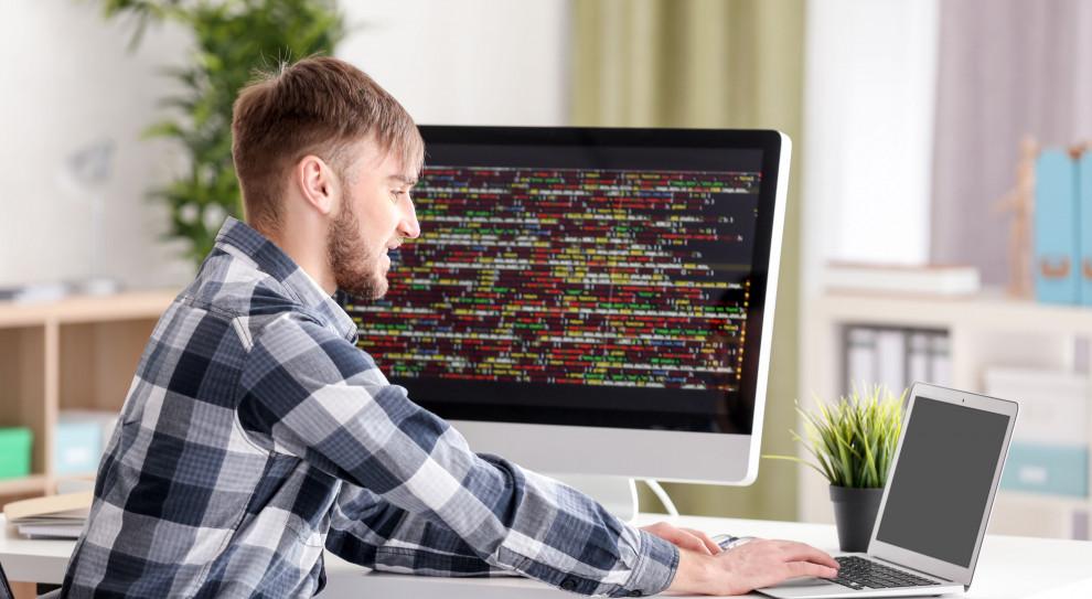 Mityczne 10 tys. zł dla początkującego programisty to bajka